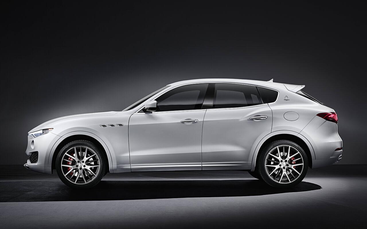 Maserati-Levante-seitlich